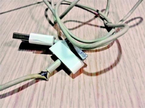 苹果手机数据线易损坏惹吐槽